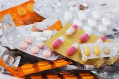 Kapseln und Tabletten Stockbilder