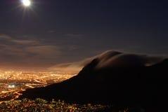Kapstadt na noite Fotos de Stock Royalty Free