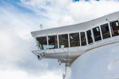 Kaptener överbryggar på kryssningskeppet Arkivfoto