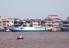 Kapuas-Fluss lizenzfreie stockfotos