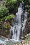 KapuzbasiWaterfall i den Aladaglar nationalparken i Turkiet Arkivbild
