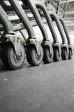 Kar op wielen in de wandelgalerij. Stock Afbeeldingen