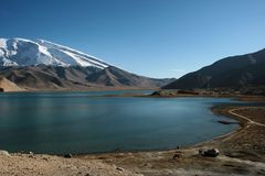 Kara-Kul lake Royalty Free Stock Photos