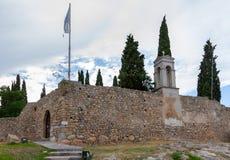Karababa在卡尔基斯,希腊的无背长椅城堡 免版税库存图片