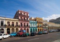 Karaibski Kuba Hawański budynek na głównej ulicie zdjęcie stock