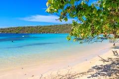 Karaiby plaża z łodziami rybackimi przy Playa losem angeles Ensenada, Dominic fotografia stock