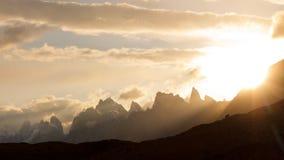 Karakorum-Gebirgssonnenuntergang lizenzfreie stockfotografie