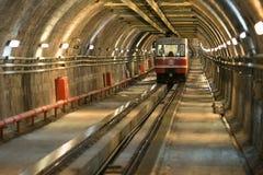 从Karakoy的老隧道地铁到Taksim 库存照片