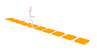 Karakter dat op een oranje weg loopt Stock Afbeelding