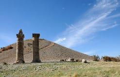 Karakustumulus op gebied van Nemrut Dagi, Oost-Anatolië royalty-vrije stock foto's