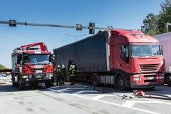 Karambol dwa ciężarówki w Latvia, na A8 drodze, zdarzał się zdjęcia royalty free