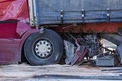 Karambol dwa ciężarówki w Latvia, na A8 drodze, zdarzał się obrazy royalty free