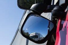 Karambol dwa ciężarówki w Latvia, na A8 drodze, zdarzał się fotografia stock