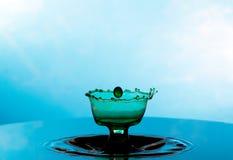Karambol dwa kropli na powierzchni woda Fotografia Royalty Free