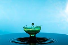 Karambol dwa kropli na powierzchni woda Zdjęcie Royalty Free