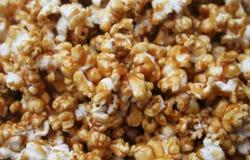 Karamell-Popcorn Stockbilder