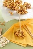 Karamell-Popcorn lizenzfreies stockfoto