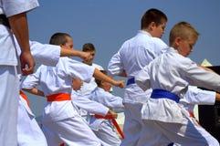 Karate επίδειξη παιδιών Στοκ φωτογραφία με δικαίωμα ελεύθερης χρήσης