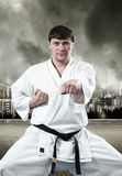 Karate κύριος στο κιμονό Στοκ φωτογραφίες με δικαίωμα ελεύθερης χρήσης