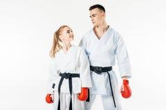 karate μαχητές που εξετάζουν ο ένας τον άλλον στοκ εικόνες με δικαίωμα ελεύθερης χρήσης