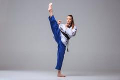 Karate dziewczyna z czarnym paskiem Obraz Royalty Free