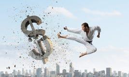 Karate mężczyzna ataka dolar Fotografia Royalty Free