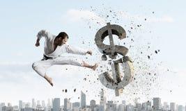 Karate mężczyzna w białym kimino Fotografia Royalty Free