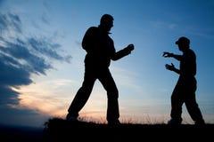 Karate opleiding in avond Royalty-vrije Stock Foto's