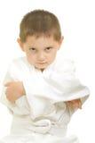 Karatejungenarme gefaltet lizenzfreie stockfotografie
