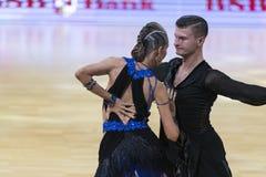 Karatkevich Vladimir y Kravchenko Nataliya Performs Adult Latin-American Program fotos de archivo libres de regalías