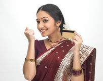 karciana kredytowa szczęśliwa kobieta Fotografia Royalty Free