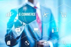 karcianego handlu komputerowy pojęcia kredyt e wręcza klawiaturę Obrazy Stock