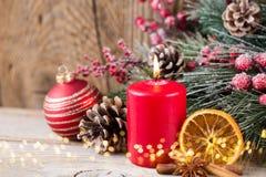 karciany bożego narodzenia powitanie Świąteczna dekoracja na drewnianym tle obraz royalty free
