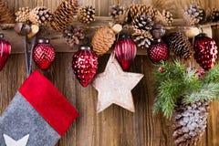 karciany bożego narodzenia powitanie Świąteczna dekoracja na drewnianym tle koncepcja nowego roku kosmos kopii Mieszkanie nieatut fotografia royalty free