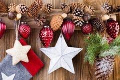 karciany bożego narodzenia powitanie Świąteczna dekoracja na drewnianym tle koncepcja nowego roku kosmos kopii Mieszkanie nieatut fotografia stock