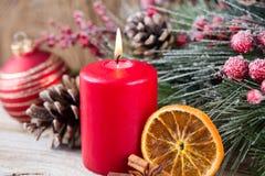 karciany bożego narodzenia powitanie Świąteczna dekoracja na drewnianym tle koncepcja nowego roku kosmos kopii Mieszkanie nieatut zdjęcie stock