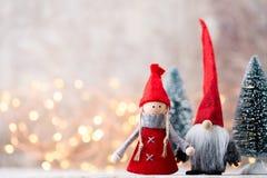 karciany bożego narodzenia powitanie Gnomu świąteczny tło Nowego roku symb Zdjęcia Stock
