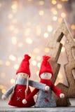 karciany bożego narodzenia powitanie Gnomu świąteczny tło Nowego roku symb Obrazy Royalty Free