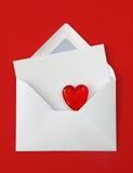 karciany kopertowy serca papieru biel Zdjęcie Royalty Free