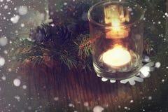 Karciany retro gałęziasty candlestick rożka płatek śniegu Fotografia Stock