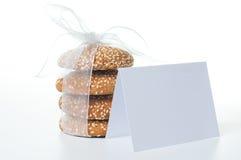 karcianych ciastek tasiemkowy biel Zdjęcia Royalty Free