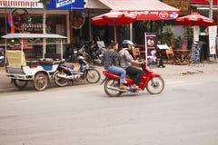 Karczemna ulica - W centrum Siem Przeprowadza żniwa, Kambodża Obrazy Royalty Free