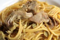 karczochy zamykają spaghetti Obrazy Royalty Free