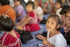 Karen-Kinder von Banbongtilang-Schule lizenzfreies stockfoto