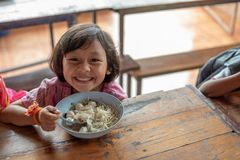 Karen-Kinder von Banbongtilang-Schule lizenzfreie stockbilder