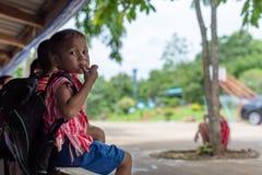 Karen-Kinder von Banbongtilang-Schule stockfoto