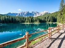 Karerlake in Italien lizenzfreie stockbilder