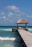 Karibische Landung mit gepolsterten Sitzen stockfoto