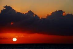 Karibischer Sonnenuntergang lizenzfreie stockfotografie