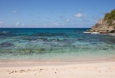 Karibischer Strand in Guadeloupe Stockfotografie
